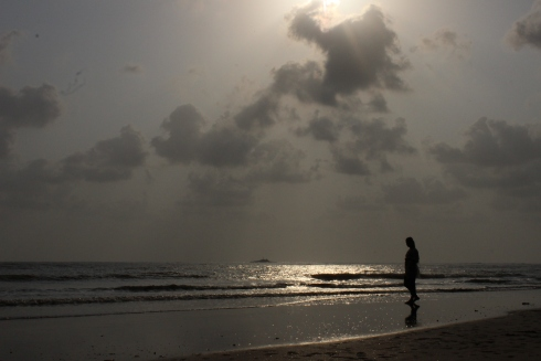 Seashore, Sand, Waves, Birds, Love story, Emotional stories, Short Stories, Indian stories